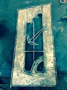 ARTE Y DISEÑO EN METAL En ejecución, puerta de soporte para peceras o acuarios. Tf. contacto 34 663111508