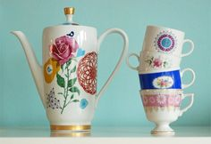 Very large birds and roses teapot