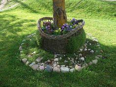 #Willow #Weaving #Basketry #Garden #LandArt