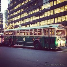 Vintage Buses to Run on M42 Line for the Nostalgia Special in NYC... As part of the Nostalgia Special, the MTA is bringing back vintage buses along the M42 Line in Manhattan this December. Here's a photograph of the Omnibus.