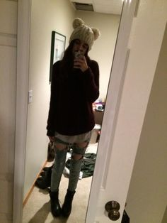 Acacia Brinley wears an Urban Outfitters Animal Ears Cable-Knit Beanie. Shop it: http://www.pradux.com/acacia-brinley/photo/4108