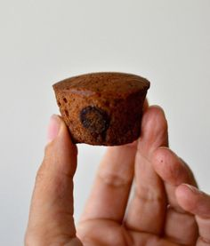 If you are looking for a delicious treat with no refined sugars, then these Amazing Flourless Sweet Potato Healthy Brownies will make your day. Healthy Treats For Kids, Healthy Baking, Yummy Treats, Healthy Snacks, Healthy Recipes, Top Recipes, Meal Recipes, Vegetarian Recipes, Brownies Sains