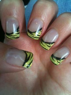 cool Best Gel Nail Art Designs 2014. I like the green but in purple instead.