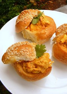 Scrumptious Soccer Snacks: Mini Bunny Chow with Butter Chicken