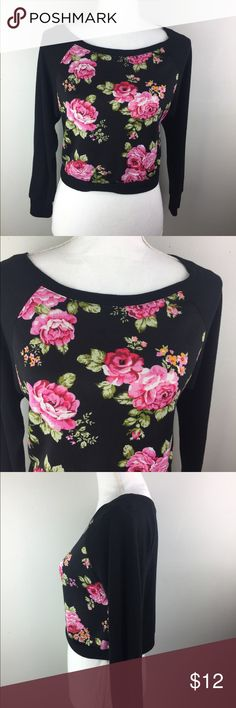 Ambiance Apparel Cropped Floral Top. Ambiance Apparel Cropped Floral Top. Size small. Cotton/rayon/Spandex. Mild pilling noted but still in great condition Ambiance Tops Crop Tops