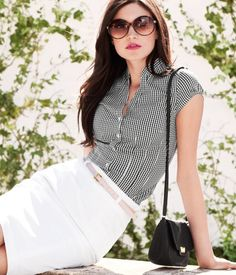 This is an outfit I love.  Very simple, very casual, very chic.  Lulu people would probably pass out if I came to work dressed like this.  :-)  H&M blouse $19.95