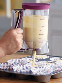Cake Batter Dispenser w/ Measuring Label 4 Cup Capacity Pancake Bake Purple New