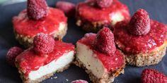 Köstliche Low Carb Himbeer Cheesecake Törtchen