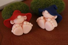 Polymer Clay Baby Gnome Miniature Baby Gnome Mini par GnomeWoods