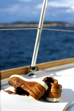 ☼ Life by the sea, life on the deck, the essence of joy boat ocean man's shoes