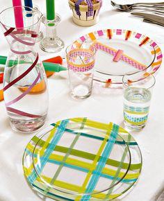 Envie d'une vaisselle unique à petit budget ? Découvrez nos trucs et astuces pour customiser vos assiettes, bols, verres et plats !