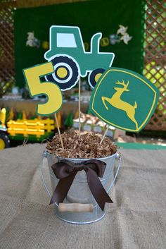 John Deere / tractor Birthday Party Ideas | Photo 1 of 23