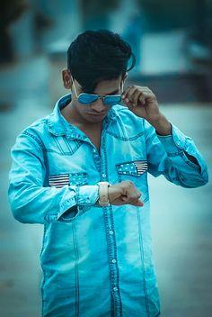↙️ #home👉 #kanuja . . #instamood #instalove #igers #photooftheday #Morning_shoot 📹 #unlock_the_colors #Bihari_swag 😋😂✌️✌️#hoodie #combo #funky #swag #glasses #watch #cute 😋 #charm 😋😋 #look #me ✌️ #fashion_blogger 👖👕👔👟👓 #amdavadi 💪👈✌️ #high_rated_gabru 😘😎 #beyond_your_limits 😎  #likeforlike #l4l #followforfollow #keepfollowing #photoholic 📸 #nikon3300d 📷📸 #r_a_j_photoGRaphy 📷📷📷📸🎞️ Rain Jacket, Windbreaker, Raincoat, Swag, Hoodie, Watch, Glasses, Colors, Jackets
