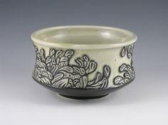 Chrysanthemum Bowl in Black and Green