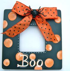 Picture Personalized Frame Holiday Halloween by Pa Diy Halloween Picture Frames, Picture Frame Crafts, Halloween Pictures, Baby Halloween, Holidays Halloween, Halloween Decorations, Halloween Week, Haunted Halloween, Halloween Carnival