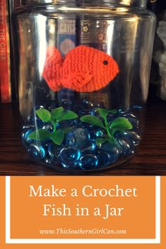 Learn how to make this cute crochet fish in a jar with this free pattern and easy tutorial! Crochet Home, Crochet Gifts, Cute Crochet, Crochet Dolls, Crochet Yarn, Easy Crochet, Crocheted Toys, Crochet Things, Filet Crochet