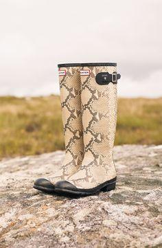 Hunter 'Carnaby' Rain Boot Nordstrom #wellies