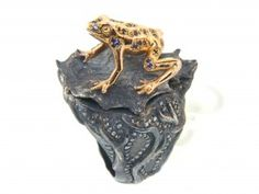 18K and Silver Poisonous Dart Frog Ring with Diamonds and Sapphires by Atelier Minyon