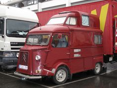 Citroën HY camper, roomy & perfect size for me. Citroen Van, Citroen Type H, Camper Caravan, Truck Camper, Vintage Trailers, Camper Trailers, Classic Trucks, Classic Cars, Cool Rvs