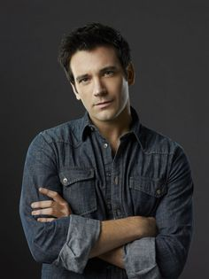 Colin Donnell in Arrow photo - Arrow picture #56 of 77
