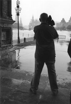 Chris Marker, Red Square, Moscow (1970) photo by Costa-Gavras