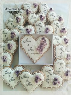 66 Ideas for cookies wedding favors heart Fancy Cookies, Heart Cookies, Valentine Cookies, Iced Cookies, Cute Cookies, Royal Icing Cookies, Sugar Cookies, Cupcake Cookies, Wedding Dress Cookies