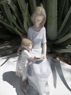 LLADRO Porcelain 1988, my collection Precious Moments Figurines, Collectible Figurines, Royal Doulton, Fine Porcelain, Vintage Antiques, Swarovski, Ornaments, Artwork, People