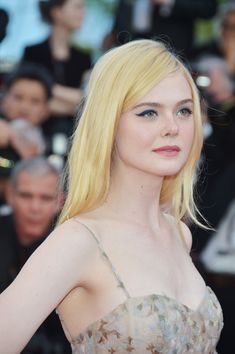 Elle Fanning attends the Anniversary of the annual Cannes Film Festival at Palais des Festivals on May 23 2017 in Cannes France Dakota And Elle Fanning, Palais Des Festivals, Christian Dior Couture, Most Beautiful Faces, Female Stars, Charlize Theron, Down Hairstyles, Ulzzang Girl, Beautiful Actresses
