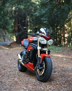 Triumph Motorcycles, Cars And Motorcycles, Triumph Speed Triple 1050, Street Bikes, Photo Look, Street Fighter, Custom Bikes, Motorbikes, Luxury Cars