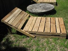 7 pallet project you can make -- includes a playhouse and storage barn