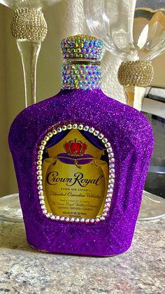 Bedazzled Liquor Bottles, Decorated Liquor Bottles, Glitter Wine Bottles, Bling Bottles, Champagne Bottles, Alcohol Bottle Decorations, Alcohol Bottle Crafts, Glass Bottle Crafts, Crown Royal Bottle