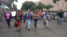 En Morelia, los integrantes del ala radical del magisterio michoacano partieron de sus instalaciones en el Libramiento Sur hacia Palacio Municipal; en otros municipios del estado se manifestaron frente a ...