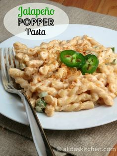 Jalapeno Popper Pasta topped with Garlic Breadcrumbs | alidaskitchen.com