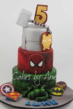 The Super Hero Cake, with all superhero favorites this cake has it all. Choose this cake to whisk someone away to where they can save the world (and eat cake)! Avengers Birthday Cakes, Hulk Birthday, Superhero Birthday Party, Boy Birthday Parties, 5th Birthday, Bolo Flash, Hulk Cakes, Marvel Cake, Avenger Cake
