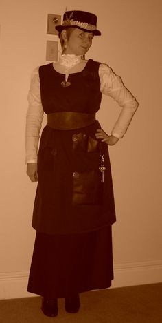 The Steam Wench's Salon: Quick and Dirty: Steampunk Work Apron -- how to make