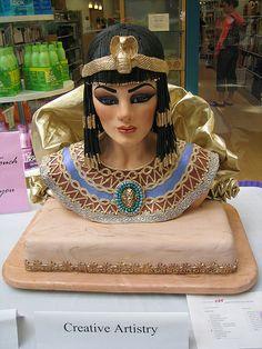 Egyptian woman cake sculpture