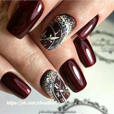 If you are getting ready for the holidays by painting a winter wonderland on your nails, these Cutest Christmas Nail Art DIY Ideas will surely give you a cheerful Christmas season this year. New Years Nail Designs, New Years Nail Art, Winter Nail Designs, Christmas Nail Designs, Nails For New Years, French Tip Nail Designs, French Tip Nails, Cute Christmas Nails, Holiday Nails