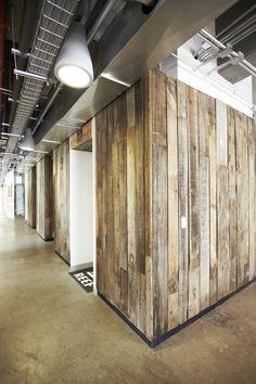 Oficinas Vanity Fair / by Oxígeno Arquitectura / Ciudad de México, México. Vans, Reef, The North Face corporate offices. Interior Design, Architecture, Wood, Workplace.