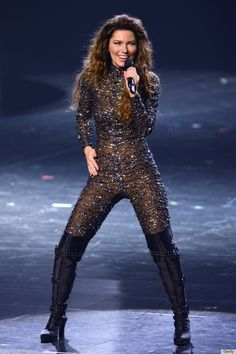 Shania Twain, 47, Stuns In A Jeweled Catsuit During First Concert In 8 Years