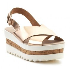 Sandalia flatform TRACK MUSTANG Chunky Shoes, Mustang, Wedges, Sandals, Boots, Ideas, Fashion, Wedge Sandals, Flat Sandals