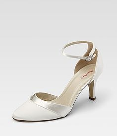 "0cdc0089488971 30 Top Bilder zu ""Brautschuhe - Bridal Shoes - Accessoires"" in 2019"