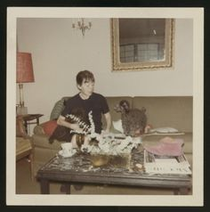 What's that pink thing in Dorothy Parker's house? Rare Images, Vintage Images, Algonquin Round Table, Dorothy Parker, Gloria Steinem, Cool Magazine, American Poets, Film Music Books, Make Color