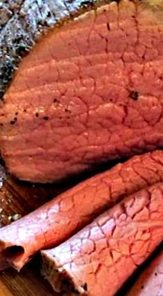 Tender Eye Round Roast - take this tough piece of meat and make it into a tender, juicy and tasty slow roasted beef. Perfect for Sunday dinner. Best Beef Recipes, Roast Recipes, Easy Chicken Recipes, Cooking Recipes, Favorite Recipes, Gourmet Cooking, Beef Eye Round Roast, Beef Round, Beef Steak