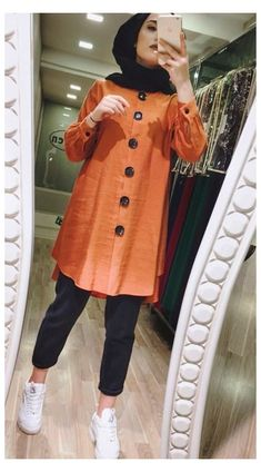 Modern Hijab Fashion, Muslim Women Fashion, Street Hijab Fashion, Maxi Dresses Online India, Party Wear Maxi Dresses, Ideas Hijab, Moda Hijab, Pakistani Dresses Casual, Pakistani Designer Clothes