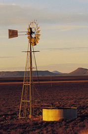 #Karoo #Windmill Farm Windmill, Old Windmills, Wind Mills, African Paintings, Thing 1, Country Scenes, Out Of Africa, Water Tower, Afrikaans