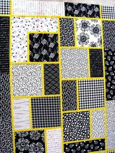 Image result for easy big block quilt patterns free Quilting For Beginners, Quilting Tutorials, Quilting Projects, Quilting Designs, Beginner Quilting, Quilting Ideas, Sewing Projects, Quilt Block Patterns, Pattern Blocks
