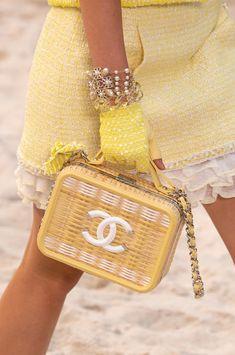 Chanel at Paris Fashion Week Spring 2019 - Chanel at Paris Fashion Week Spring 2019 – Details Runway Photos Source by d Fashion Models, Fashion Week, Fashion Bags, High Fashion, Paris Fashion, Woman Fashion, Couture Fashion, Runway Fashion, Fashion Outfits