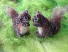 Felted Tiny Squirrel, Poseable, Grey