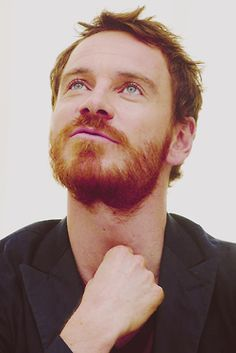 Michael Fassbender w/ a beard. Dear lord..