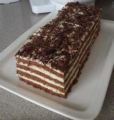 Kakaový medovník s vláčným těstem připravený tak jak ho neznáte! Hungarian Desserts, Hungarian Cake, Hungarian Recipes, Creative Cakes, Creative Food, Sweet Recipes, Cake Recipes, Non Plus Ultra, Sweet Like Candy